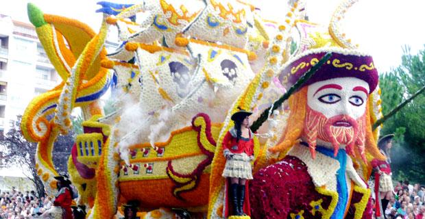 La Batalla de Flores, Laredo